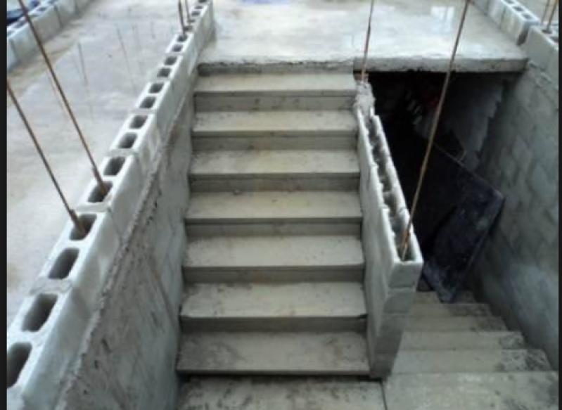 Construção de Escada de Alvenaria Aeroporto de Guarulhos - Escada Granito