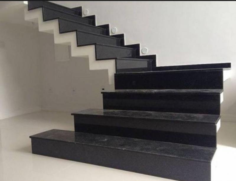 Construção de Escada de Pedra Mármore Sé - Escada Granito