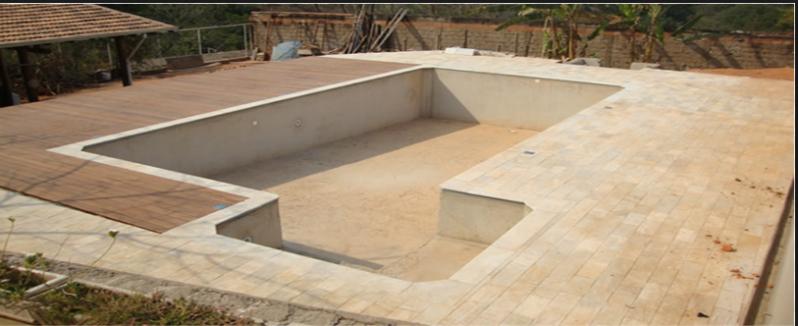 Construção de Piscina Residencial Itapegica - Construção de Piscina Grande