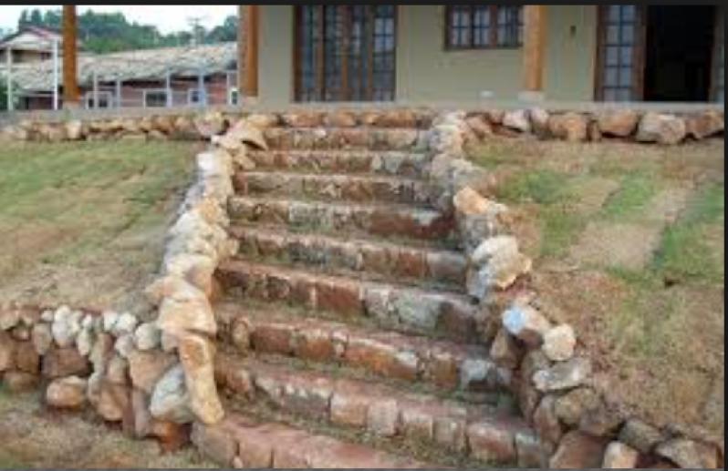 Escadas de Pedra Rústica Parque Cecap - Escada Exterior