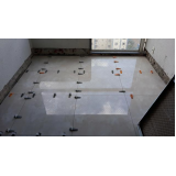 colocação de piso com cunha Serra da Cantareira