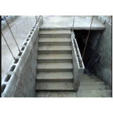 construção de escada de alvenaria Brás