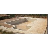 construção de piscina residencial Água Azul