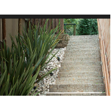 escada de pedra rústica Vila Endres