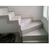 escada edifício residencial Bosque Maia