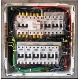 montagem de quadro elétrico residencial