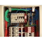 montagem de quadro elétrico trifásico